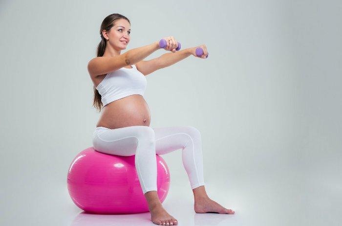 Упражнения на фитболе для беременных